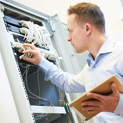96985103_professional_IT_support_400